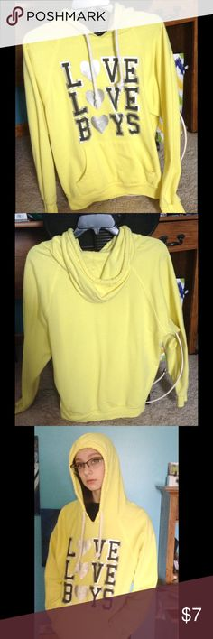 Lightweight Yellow Hoodie A thin pale yellow hoodie that's great for spring. Lightweight and soft. Size medium Derek Heart Sweaters
