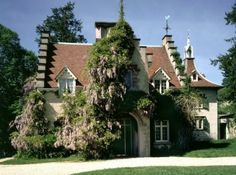Sunnyside, Washington Irving's home Wed-Sun, 1 hour tours at 10:30am, 12pm, 1:30pm, 3pm and 3:30 Sat/Sun