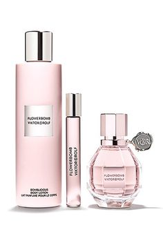 Flowerbomb is a floral explosion, a profusion of flowers that has the power to make everything more positive. This fragrance is definitely one of the favorites.