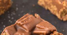 Healthy No Bake Peanut Butter Kit Kat Crunch Bars Gluten free Gluten Free Desserts, Gluten Free Recipes, Bounty Chocolate, Egg Free Pancakes, Custard Cookies, Pineapple Banana Smoothie, Coffee Popsicles, Cinnamon Twists, Dirt Cake