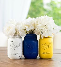 Graduation Poster Ideas Discover Mason Jars - Painted Mason Jars in Royal Blue Yellow Gray White - Weddings Showers Home Decor Blue And Yellow Living Room, Blue Yellow Grey, Gray, Blue And Yellow Bedroom Ideas, Yellow Centerpieces, Wedding Table Centerpieces, Centerpiece Ideas, Yellow Kitchen Decor, Yellow Home Decor