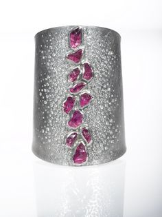 This cuff is fresh off the bench! Add a little color to your wardrobe with this beautiful Todd Reed design.