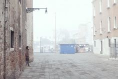 Venice 2015. A light mist envelops a solitary person who mingles with elegance and melancholy... http://www.celesteprize.com/artwork/ido:339061/