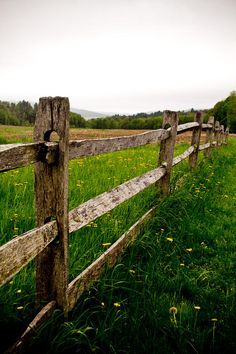I want a front yard Rustic Fence! <3