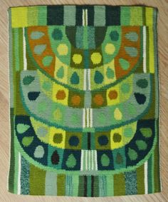 LARGE exceptionelly well done Swedish handwoven vintage 1950s green/ yellow abstract sacral motive flemish weaving tapestry wall-hanging.    The handmade weaving is made of wool thread on linen ham.    Size: 12.5 * 15.75 / inch. Exellent condition.    Will be sent to you Expedited International air mail with tracking.