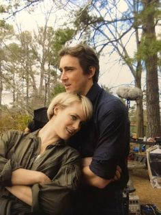 Mackenzie Davis as Cameron Howe and Lee Pace as Joe Macmillan in Halt and Catch Fire