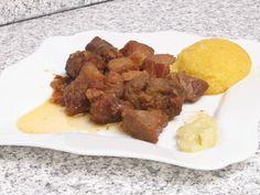 Pork Feast - Pomana porcului cu cârnaţi de casă