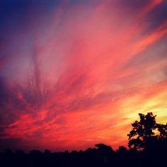 Marcel Tettero @marcel_tettero | Websta Mooie lucht boven Hengelo om 5 uur 's morgens!