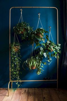 Collection of hanging plants on garment rack. Collection of hanging plants on garment rack. Decoration Plante, Room With Plants, Plant Rooms, Plants In The House, Plants In Bedroom, Plants In Living Room, Nature Decor, Nature Plants, Cool House Designs
