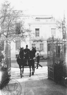 1906 ~ Residence in Vassilissis Sofias ave. Old Pictures, Old Photos, Vintage Photos, Old Greek, Greece Photography, Greek History, Acropolis, Athens Greece, Ancient Greece