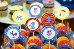 decoracao festa infantil, decoracao festa galinha pintadinha, festa 1 ano, mesa doces galinha pintadinha , bolos decorados galinha pintadinha, studio decor