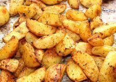 Fűszeres sült krumpli Real Food Recipes, Vegetarian Recipes, Cooking Recipes, Healthy Recipes, Good Food, Yummy Food, Hungarian Recipes, Vegetable Side Dishes, Meals For The Week