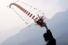 Dragon Kite, 3 Gorges, China by Ronald de Hommel  #3_Gorges #Dragon_Kite #Ronald_de_Hommel