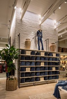 """Lucky Brand"" store Beverly Hills,USA by MNA ,pinned by Ton van der Veer"