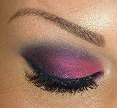 Fuchsia + Purple Eyeshadow with Black Eyeliner: so pretty! Kiss Makeup, Love Makeup, Beauty Makeup, Makeup Looks, Hair Makeup, Hair Beauty, Makeup Stuff, Prom Makeup, Gorgeous Makeup