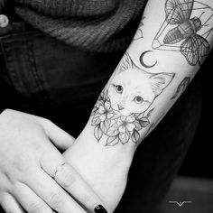 New Tattoos, Body Art Tattoos, Cool Tattoos, Beard Tattoo, Cat Tattoo, Cat Portrait Tattoos, Memorial Tattoos, Skin Art, Beautiful Tattoos