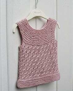 Cute Summer Top by Anna & Heidi Pickles http://www.ravelry.com/patterns/library/cute-summer-top