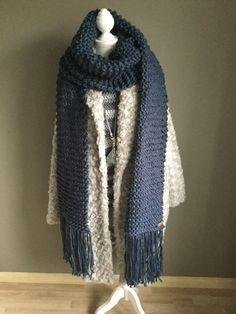 XXL shawl/sjaal gebreid door juf Sas #XXL #shawl #sjaal #gebreid #blog #jufsas #breien #wol #action #beginner #recht #franjes #creatief #warm #groot #lang #makkelijk #breinaalden12 #blauw #warm #winter #breiwerk #30steken #XXLsjaal #XXLshawl Crochet Shawl, Knit Crochet, Chrochet, Sewing Crafts, Knitting, My Style, Creative, Womens Fashion, Fabric