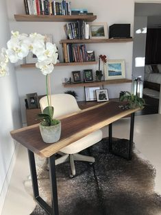 Dining Room Office, Home Office Setup, Home Office Space, Home Office Design, Narrow Living Room, Desk In Living Room, Comedor Office, Apartment Living, Apartment Desk