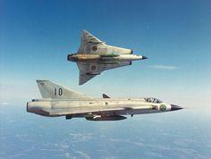 Saab 35 Draken and Draken Swedish Jet fighter Saab 35 Draken, Military Jets, Military Aircraft, Air Fighter, Fighter Jets, Jas 39 Gripen, Swedish Air Force, Aircraft Pictures, Jet Plane