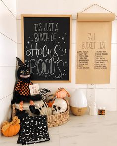 "Valerie Sheldon on Instagram: ""🧡GIVEAWAY🖤 I've teamed up with some amazing mamas to show you ways we are decorating for Fall and Halloween. We hope to inspire you with…"""