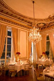 winter wedding in paris from one and only paris www.lesecretdaudrey.com
