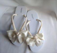 Ivory Flip Flop Bridal Satin Bow Braidsmaid Flip by KayKaysBridal Blush Bridal Shoes, Red Wedding Shoes, Beach Wedding Sandals, Bridal Sandals, Wedding Beach, Wedding Heels, Beach Sandals, Wedding Dresses, Bling Flip Flops