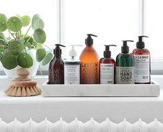 A gente deve ou não aplicar shampoo duas vezes no cabelo na hora do banho? Mito ou verdade? E se existisse uma nova abordagem estratégica para isso?