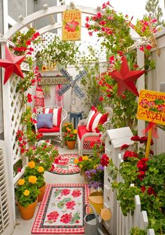 My Painted Garden ~ wow!    (This is very pretty to me--wish this was my porch)