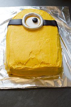 How to make a Minion cake - House of Treats