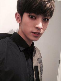 """[170107] twitter update """"@24K_JinHong: 잘자 """""""