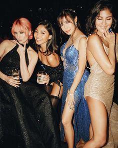 JaDineAtTheREIDCarpet with Arci Muñoz, Myrtle Sarrosa and Kiana Valenciano (ctto) Arci Munoz, Nadine Lustre, Jadine, Platinum Blonde Hair, Prom Dresses, Formal Dresses, Filipina, Girl Gang, Celebrities