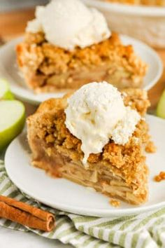 Homemade Apple Crumble (Ready in Under 1 Hour!) - Spend With Pennies Apple Crumble Recipe, Apple Pie Recipes, Banana Bread Recipes, Corn Recipes, Dinner Recipes, Bbq Desserts, Holiday Desserts, Delicious Desserts