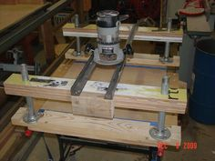 """Mini-Me"" version of my other router planer sled - by TZH @ LumberJocks.com ~ woodworking community"