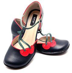 Sapato Retrô Cherry - ZPZ SHOES Zpz Shoes, Pin Up Shoes, Shoe Boots, Dance Shoes, Shoe Bag, 1950s Fashion Dresses, Versace, Funky Outfits, Blue Suede Shoes