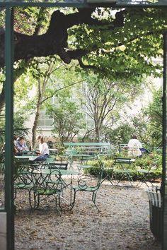 Paris 9eme : hotel, restaurant, magasin, musée... - Côté Maison Saint Georges, Hotel Restaurant, Outdoor Furniture, Outdoor Decor, Park, Rues, Inspiration, Gardens, Saint Lazarus
