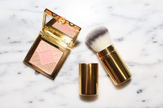 tory-burch-Divine-Bronzer-Blush-Highlighter-Palette-and-face-brush