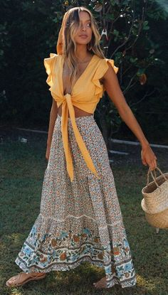 Floral Print Bohemian Maxi Skirt - Boho fashion ideas, hippie style inspiration Source by virginia_gottsc - Boho Outfits, 70s Outfits, Vintage Outfits, Fashion Outfits, Fashion Ideas, Summer Skirt Outfits, Cute Hippie Outfits, Summer Outfits Boho Chic, Boho Summer Dresses