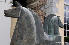 «Caballos» Escultor: Carlos Mata - Absolut Art Gallery - Canal Dijver - c/ Dijver - Brujas - Bélgica