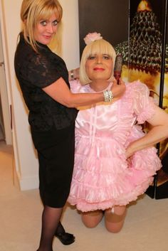 Sissy Maid in pink sissy dress with hairdresser