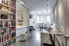 Com apenas 34 metros quadrados de área, esse pequeno e charmoso apartamento nos mostra como boas escolhas driblam fácil fácil o problema de falta de espaço