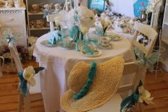 Tiffany inspired Table by Lily and Lace...
