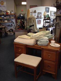 Vintage Mid Century Furniture And Great Linens At The Fix Thrift Shop,  Tallahassee, FL