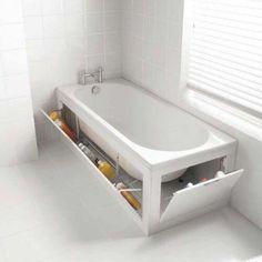 Badewannenversteck im Badezimmer