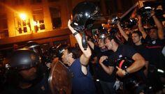 Firefighters against police in Spain / Bomberos enfrentados a la policía en España