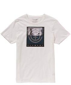 Das Shirt von Element ist aus biologisch angebauter Baumwolle gefertigt und mit einem stylishen Frontprint verziert.