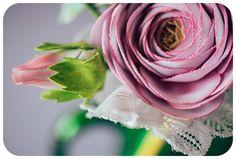 Dettagli del Bouquet di peonie e ranuncoli. http://bouquetalternativi.it/bouquet-peonie-ranuncoli/ info@bouquetalternativi.it  #bouquetalternativi #unusualbouquet #bouquetsposa #bouquet #bouquetalternativo #bouquetparticolare #bouquetfattoamano #bouquetsposaparticolari #bouquetbottoni #bottoniera #bouquetsposaparticolare #bouquetfioresingolo #fioribouquet #bouquetdifioridicarta #bouquetdicarta #design #bouquetpeonie ranuncoli #bouquetmatrimoniocivile #tendenzematrimonio2017…