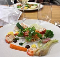 Homard (parente da lagosta) com legumes da estação no DZ'Envies, em Dijon