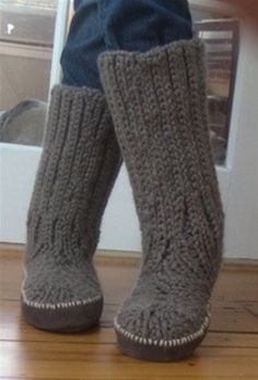 Knitting Pattern For Slippers With Soles : 1000+ images about Knit Slippers on Pinterest Slippers, Slipper socks and K...