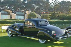 1934 #Cadillac V-16 452D Fleetwood